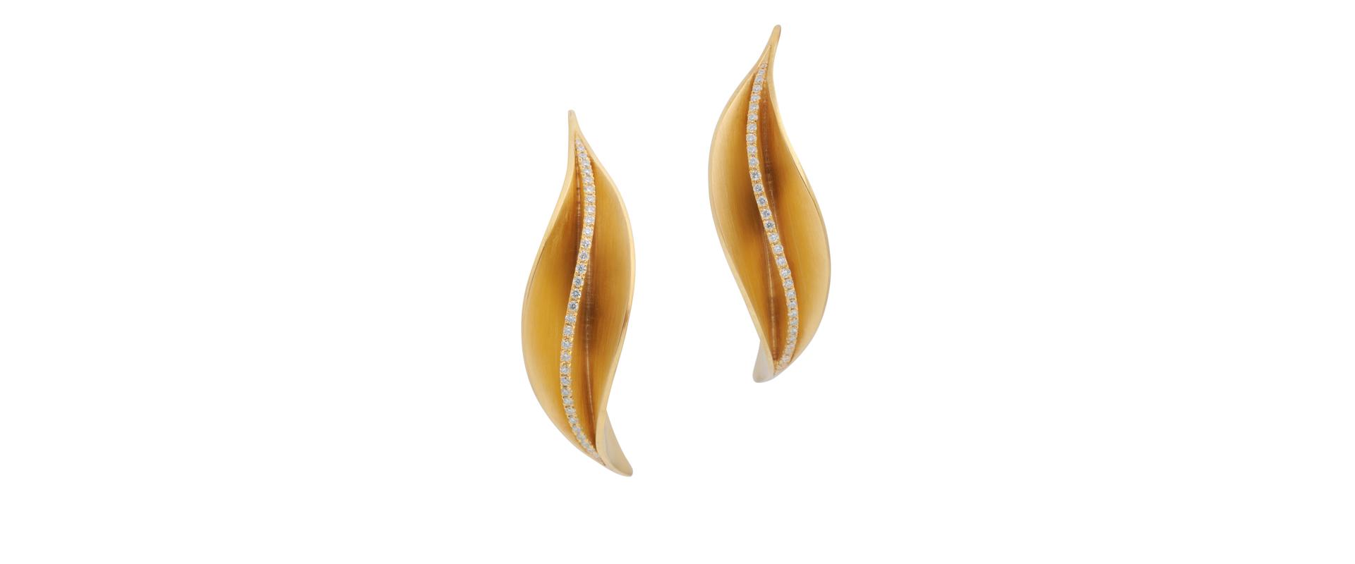 anti-clastic forged yellow gold Calla Diamond earrings